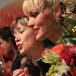 Блондинка из прокатного цеха победила восьмерых брюнеток