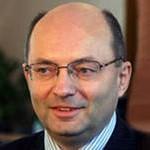 Мишарин доложил Медведеву о зарплате в Свердловской области. Серов отстает