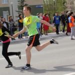 Легкоатлетическая эстафета на призы управления образования. Фото Натальи Вотяковой.
