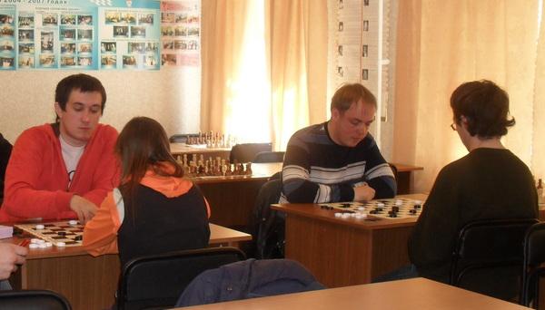 Параспортсмены Серова отметили День Победы на спортплощадках