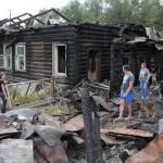 Погорельцы задержали мародеров у стен своего дома, который будут восстанавливать