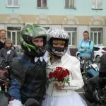 Рок-музыка, рев мотоцикла и... свадьба!