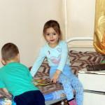 Карине Турченко сделали нейрохирургическую операцию. Серов помогает семье материально