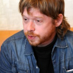 Три раза поднимался на сцену Екатеринбургского театра Петр Незлученко. Фото Влада Бурнашева.