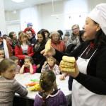 На мастер-классе по изготовлению пряников от члена ассоциации кулинаров Свердловской области Алены Прокопьевой дети были в полном восторге. Фото Влада Бурнашева.