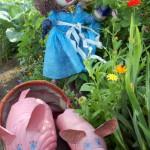 Серовчанка превратила свой садовый участок в сказочный мир