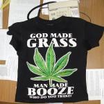 В наркоконтроле задержанный наркозависимый заявил, что не знал какое растение изображено на футболке. ФОТО: Серовский отдел УФСКН