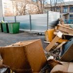 """Для """"большого"""" мусора на площадке должен стоять контейнер объемом в 8 раз больше обычного. Фото: Антон Муханов, """"Глобус"""""""