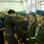 Медали призерам и победителям турнира вручала мэр Серова Елена Бердникова