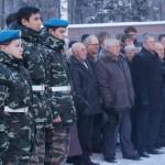 """Минута молчания. Ветераны сняли шапки. Фото: Екатерина Баязитова, """"Глобус"""""""