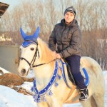"""Конно-спортивный клуб посещает только один парень - Даниил Крылов, все остальные 19 учеников - девушки. Фото: Антон Муханов, """"Глобус"""""""