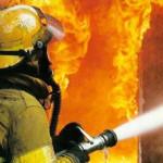 На пожаре в поселке Красноярка, что под Серовом, погибла женщина. Ее сожитель сумел спастись