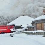 В Серове на улице Новолесопильной горит дом