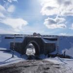 Вот и проезд к Красноярке под железнодорожной насыпью. По весне частенько его затапливает.