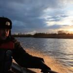 """Обратно мчимся на полном ходу, успеваем подойти к берегу засветло. Фото: Константин Бобылев, """"Глобус""""."""