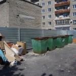 Жильцы одного из домов Серова возмущены установкой мусорных контейнеров без согласования