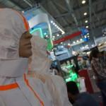 """...И это тоже лица Иннопрома! Новые костюмы химзащиты """"демонстрируют"""" манекены."""