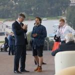 Мэра Екатеринбурга Евгения Ройзмана (слева) режиссер Алексей попросил помочь с окончанием работы над документальным фильмом.