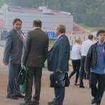 Министр энергетики и ЖКХ региона Николай Смирнов (первый слева) пришел познакомиться с опытом коллег из других регионов страны.
