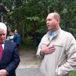 """Павел Ковыляев (справа): """"Мы тоже заинтересованы, чтобы в садиках и школах была горячая вода! А то мы словно буфером стоим."""""""