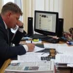 В прошлом году за час работы «горячей линии» Евгений Преин принял около 30 жалоб. Фото: Михаил Бобков, «Глобус»