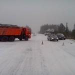 18 октября, в 15.25 на втором километре автодороги Серов — Птицефабрика столкнулись ВАЗ и рейсовый автобус ПАЗ