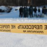 Территория на которой ведутся работы, была отцеплена сотрудниками полиции после обнаружения в воде детской шапочки.