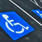 Увидел нарушение правил парковки в местах для инвалидов? Сделай фото и пришли в ГИБДД Серова