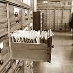 Поиски в архивах пока не позволили Ниннель Андреевне найти родственников. Фото: рабочая балахна.рф.
