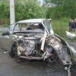 Водитель и пассажир легковушки были госпитализированы в больницу. Фото: ГИБДД Серова.
