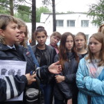 """Сотрудники правоохранительных органов Серова посетили ребят, отдыхающих в """"Веселом бору"""", с профилактическими лекциями. Все фото: полиция Серова."""