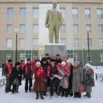 7 ноября серовские коммунисты возложили цветы к памятнику Ленину. Все фото предоставлены местным отделением КПРФ.