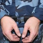 В Серове с поличным задержан сотрудник краснотурьинской колонии: