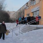 """Вот так выглядел офис Мнгофункционального центра на Сортиовке в 8 часов утра понедельника. Фото: Константин Бобылев, """"Глобус""""."""