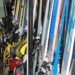 """На сегодняшний день на лыжной базе """"Локомотив"""" функционирует прокат зимнего спортинвентаря с оснащённостью 150 пар комплектов (лыжи, ботинки), 26 снегокатов, 10 тюбингов. Фото: архив """"Глобуса""""."""