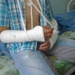 Сейчас мальчик находится в стационаре Серовской городской больницы. Фото: предоставлено родителями пострадавшего.