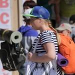 """У каждого из ребят был собран рюкзак -- они готовы ко всему. Фото: Константин Бобылев, """"Глобус""""."""