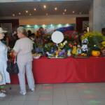 """В Серове прошла 58-я выставка плодов """"Дары осени""""."""