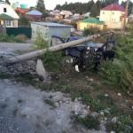 Серовчанин на чужой машине врезался в опору ЛЭП и отправил переломанную пассажирку в больницу