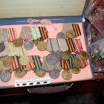 Установлено, что большинство медалей и орденов относятся к категории государственных наград – их покупка и продажа запрещена на территории Российской Федерации.Все фото: пресс-служба Управления МВД на транспорте по УрФО.