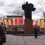 Площадь у мемориала воинам-металлургам