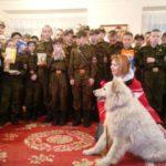 Серовские кадеты подарили корм для карпинского приюта «Лапа помощи»