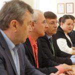 На переднем плане Валерий Фадеев, директор серовского завода ферросплавов