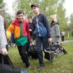 """Ребятам не терпелось поскорее попасть в лагерь. Фото: Константин Бобылев, """"Глобус""""."""