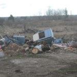 """По периметру села практически нет чистых участков - везде свалки. Фото: Константин Бобылев, """"Глобус""""."""