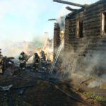 """Пожар произошел в ночь на среду. Фото: Константин Бобылев, """"Глобус""""."""