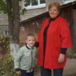 """Больше всего Людмила Тимошенко ценит семью: """"Это самое главное в жизни"""", - говорит она внуку Ване. Фото: Мария Чекарова, """"Глобус""""."""