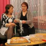 """Жюри угощали пирогами и печеньем.Фото: Мария Чекарова, """"Глобус""""."""
