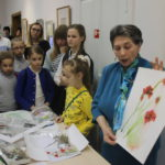 """Мастер-класс для юных учеников серовской детской художественной школы. Фото: Мария Чекарова, """"Глобус""""."""