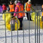 """Для детей на территории лыжной базы была организована детская площадка. Фото: Мария Чекарова, """"Глобус""""."""